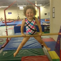 Kinder Gym – This program is a 45 minute class for athletes ages 3 & 4, who are ready to fly solo and are able to follow directions with good listening skills. Gymnasts will learn basic gymnastics skills through the process of fun, fitness, and fundamentals.